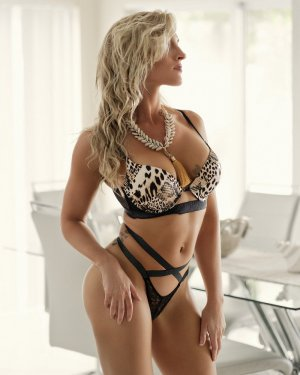 Marjorie happy ending massage & escort