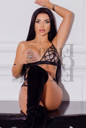 Nastya nuru massage and escorts