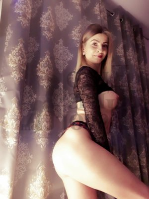 Silvie erotic massage, call girls