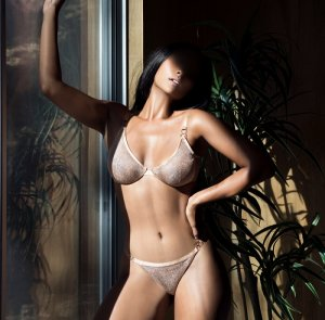 Rinesa escort in Somerville New Jersey, nuru massage
