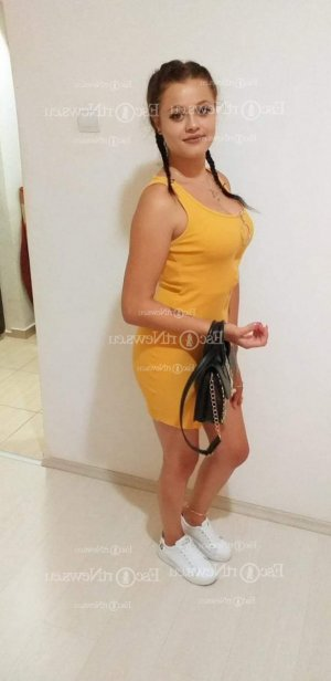 Typhanie happy ending massage in Twin Falls, live escort