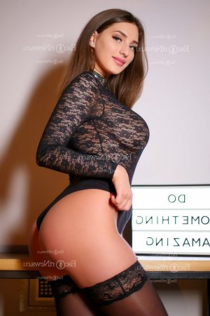 Marie-chloé escort girl & happy ending massage