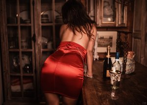 Dorienne live escort, thai massage
